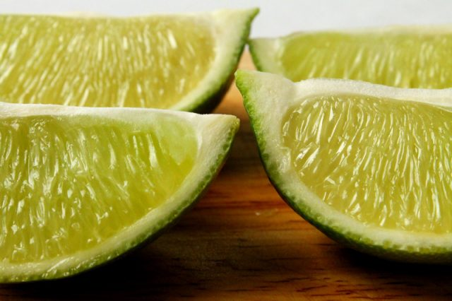 Quartered Lime Pieces