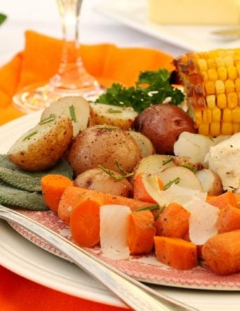 Roaster Pan Whole Chicken, Potatoes and Vegetable Dinner