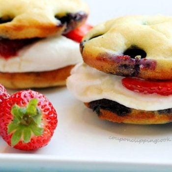 Blueberry Pancake Whoopie Pie