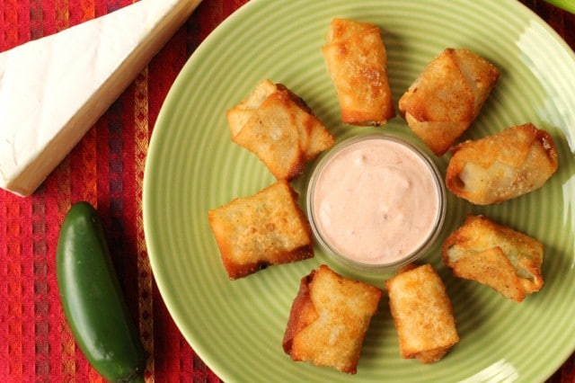 Wonton Cheese Bites with Sauce on plate