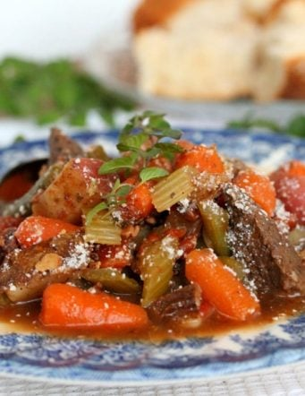Roaster Pan Beef Stew with Vegetables and Red Wine