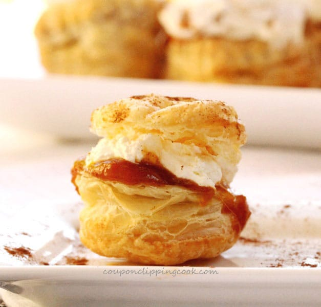 Pumpkin Pudding Puff Pastry Bites
