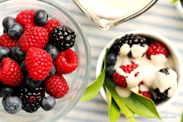 Berries with Cinnamon Cream Sauce