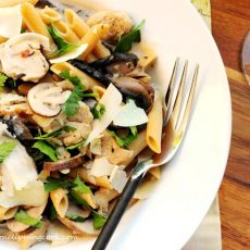 Penne Pasta with Chicken and Mushrooms