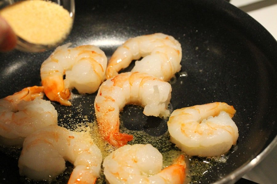 how to cook raw shrimp in pan