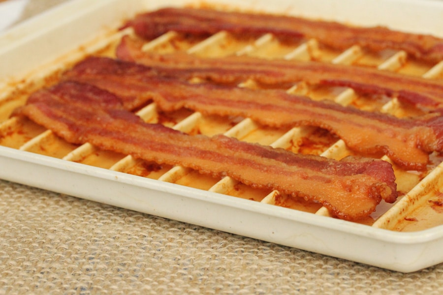 I Like To Use This Microwave Bacon Cooking Tray