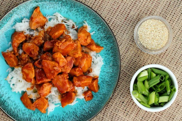Sweet and Spicy Chicken on Rice