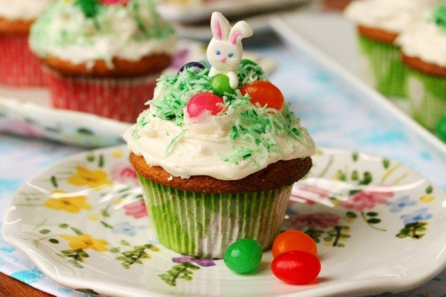 5-jelly-bean-cupcakes