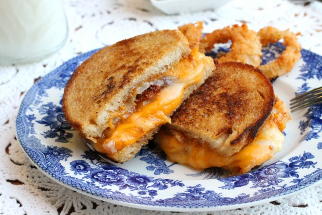 9-Grilled-Cheese-and-Onion-