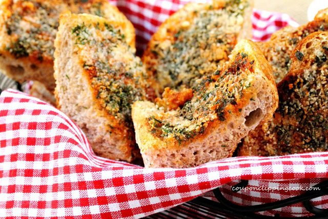 Garlic Bread in Basket