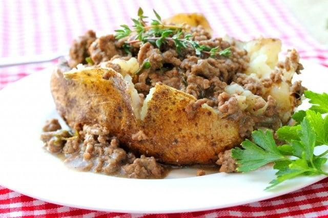 Salt Crusted Baked Potato with Thyme Hamburger Gravy