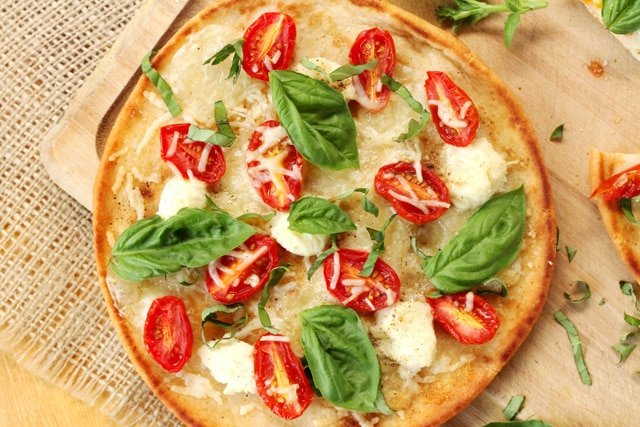 Tomato Basil and Ricotta Naan Pizza | Coupon Clipping Cook