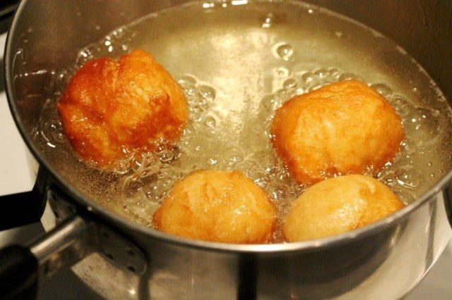 Fry Doughnut Balls in Oil