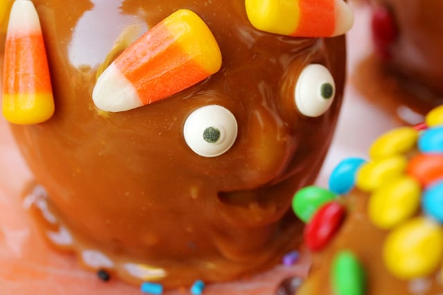Funny Face Caramel Apples