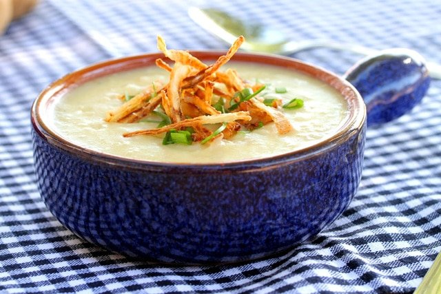1-roasted-garlic-potato-soup