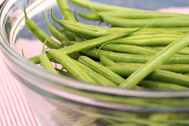 2-green-beans-in-bowl