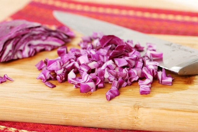 17-chop-red-cabbage