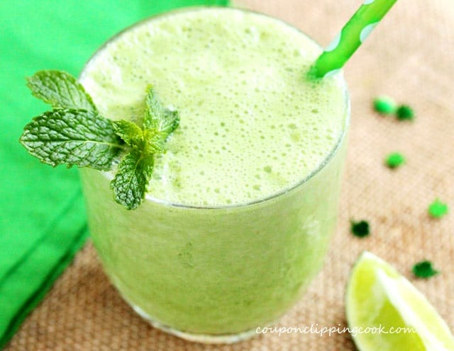 Apple and Mint Limeade Smoothie in glass