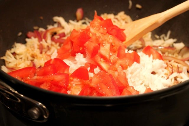 18-add-tomatoes-in-pan