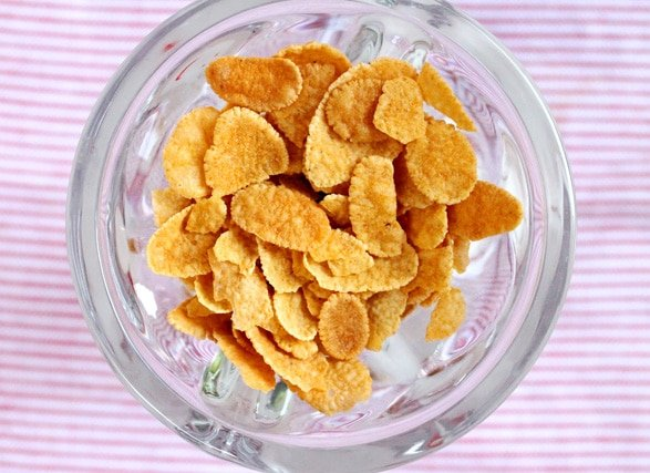 3-corn-flakes-in-dish