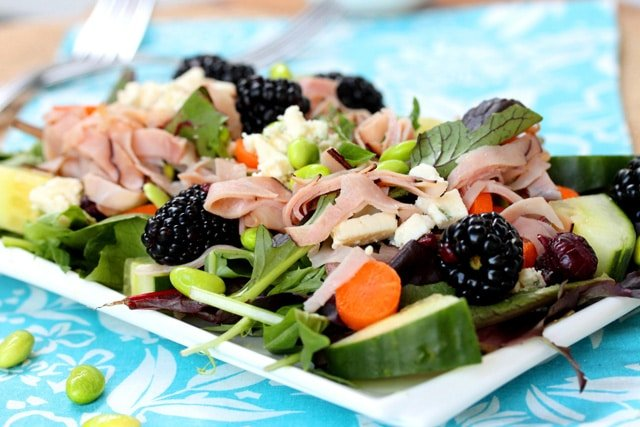 4-Blackberries-and-Blue-Cheese-Ham-Salad