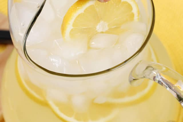 18-add-lemon-slices-to-pitcher