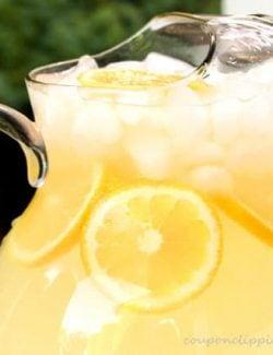 Homemade Lemonade with Ice