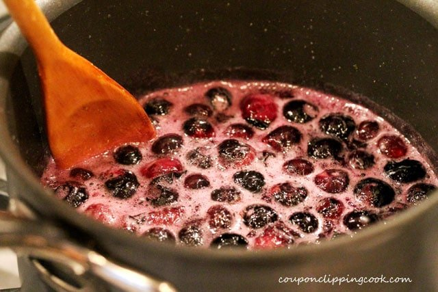 12-stir-blueberries-in-pan