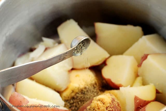 Add pepper to pot with potatoes