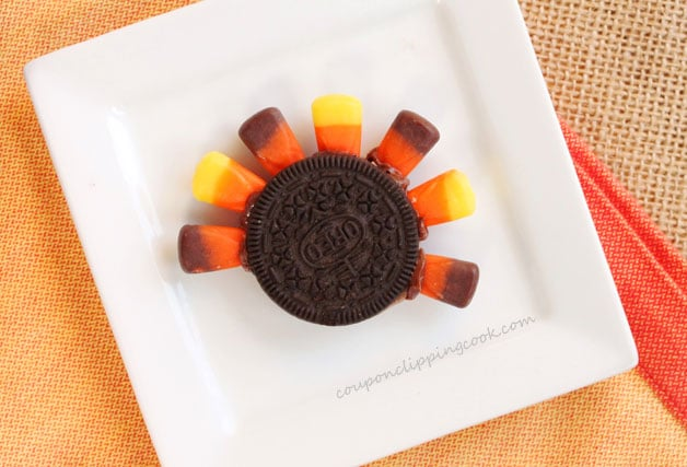 4-oreo-cookie-turkey-cupcake