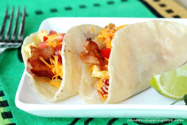 12-bacon-and-egg-breakfast-tacos