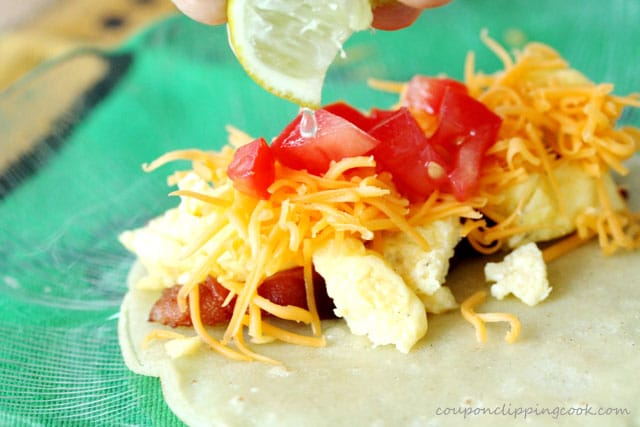 25-add-lime-juice-to-taco