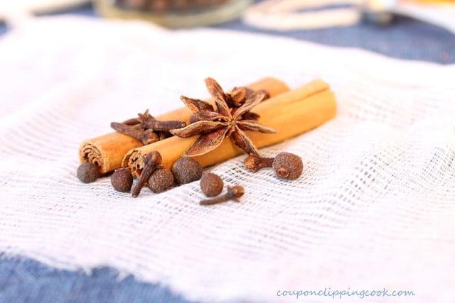 Star anise, cinnamon sticks