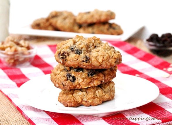 8-Oatmeal-Raisin-Cookies