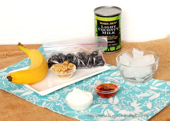 Blueberry, Banana and Granola Smoothie ingredients
