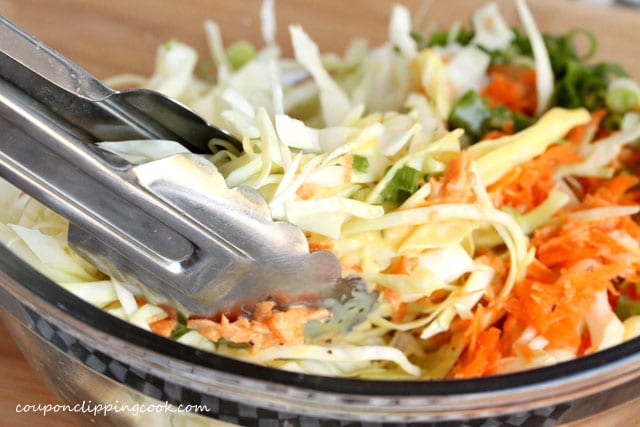 Mix coleslaw in bowl
