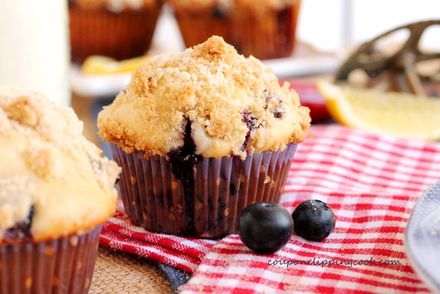 9-Blueberry-muffins-with-lemon-streusel