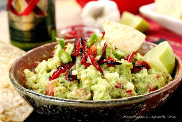 11-Roasted-Red-Bell-Pepper-and-Garlic-Guacamole