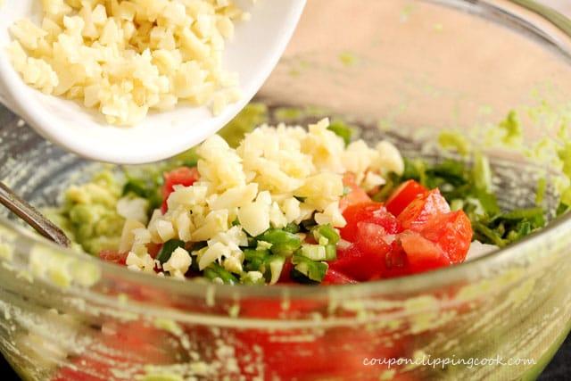 21-add-garlic-to-avocado