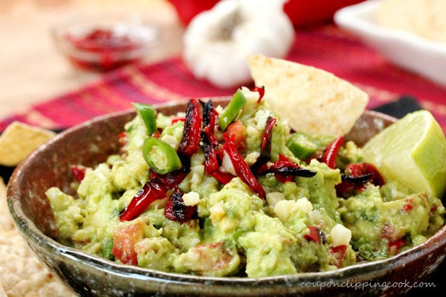 3-Roasted-Red-Bell-Pepper-and-Garlic-Guacamole