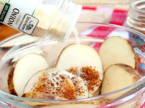 5-onion-powder-in-potatoes