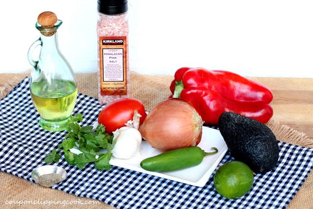 Red-pepper-garlic-guacamole