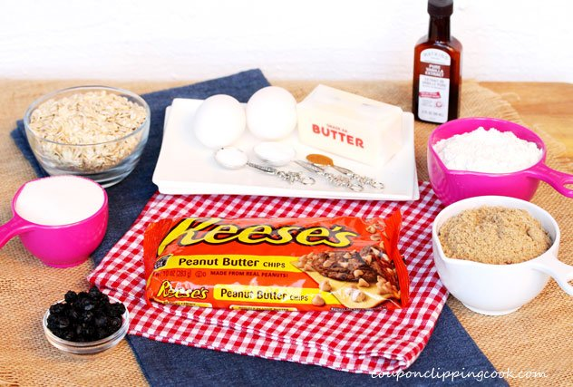 Oatmeal, Peanut Butter Chips and Blueberry Cookie Bars ingredients