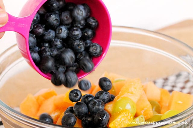 6-blueberries-in-fruit-salad