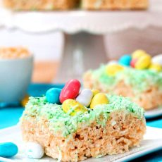Easter Krispie Treat Dessert