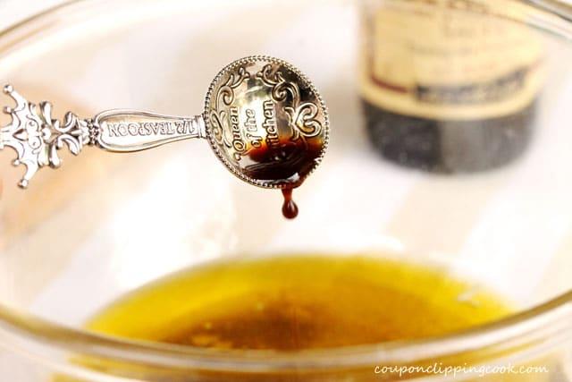 Add Worcestershire sauce to fajita sauce in bowl