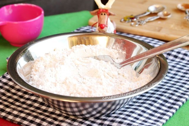 10-stir-flour-mixture