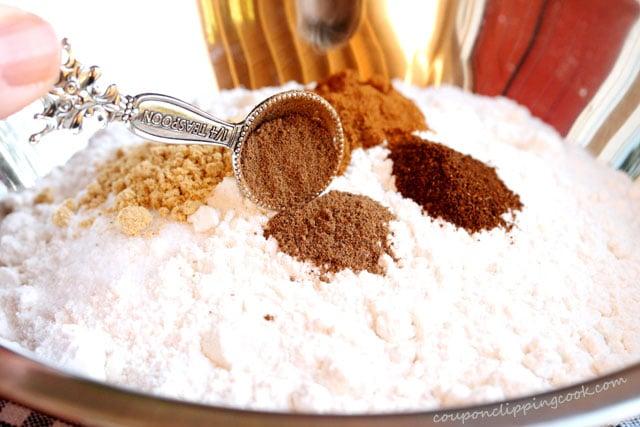 7-nutmeg-in-flour