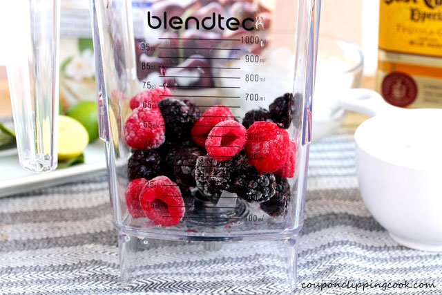 3-add-berries-to-blender