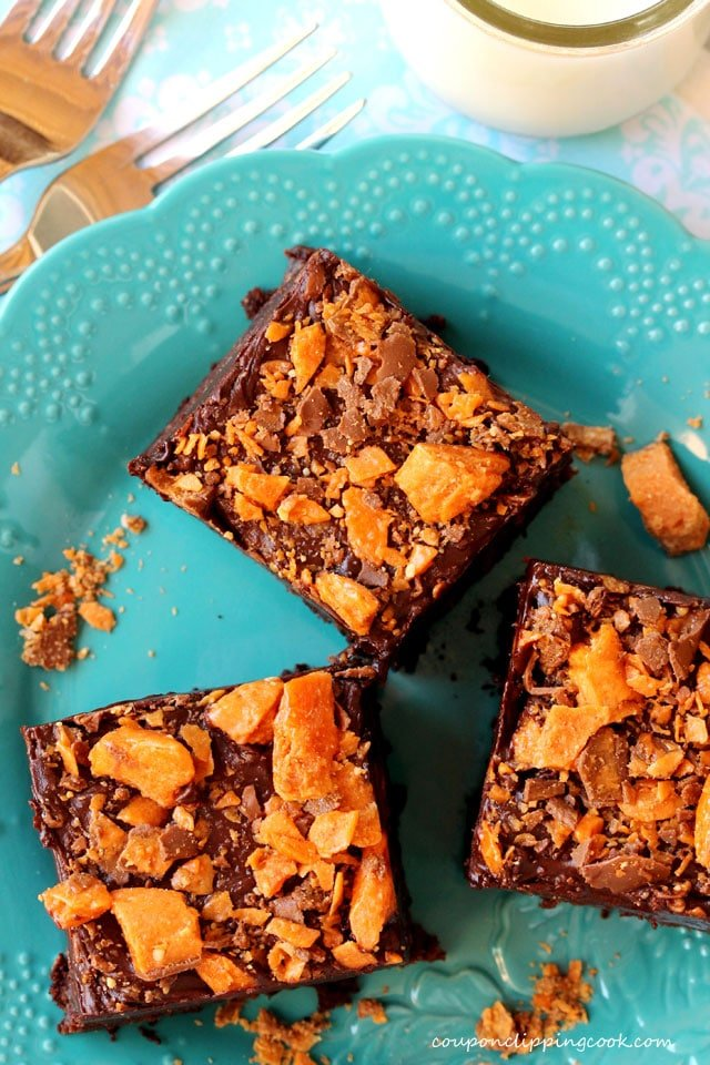 Butterfinger Brownies on plate